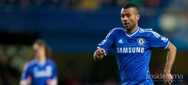 Scatto Ashley Cole: fumata bianca ad un passo