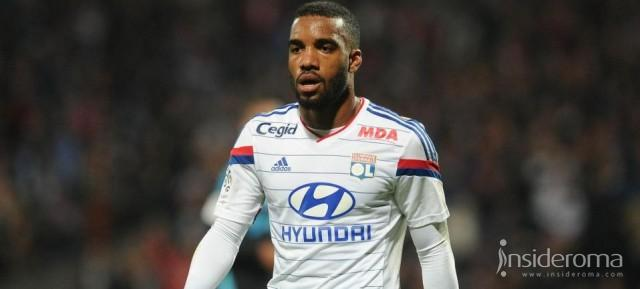La Premier League chiama Lacazette, su di lui Liverpool ed Arsenal