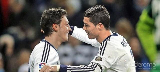 Ozil all'Arsenal e Ronaldo si arrabbia